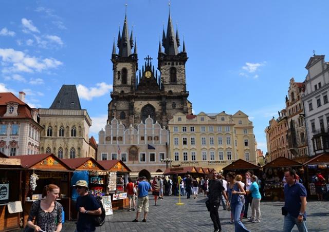 Число российских туристов в Праге существенно выросло