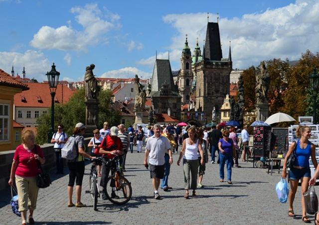 Число российских туристов в Чехии существенно выросло