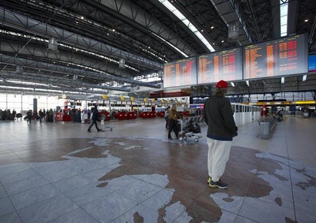 Пражский аэропорт станет полностью некурящим