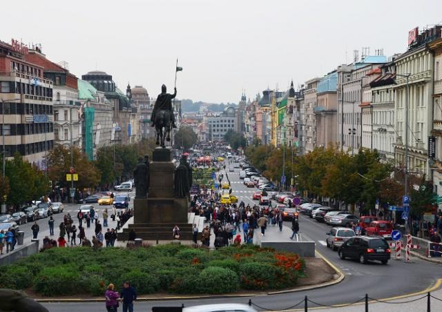 Названы самые загруженные пешеходные улицы Праги