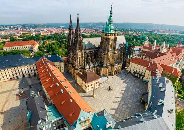 Пражский Град частично откроют для посетителей и отменят досмотр на входе