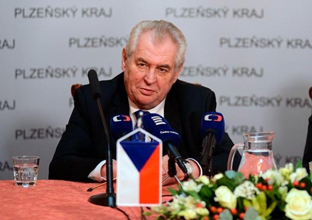 Президент Чехии предложил России заплатить Украине за Крым