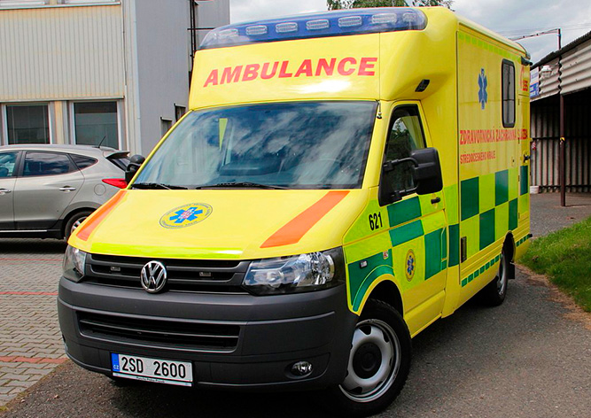 В Чехии пьяный водитель скорой помощи вез пациентов в больницу