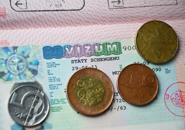 Чехия приняла рекордное число заявлений на визы