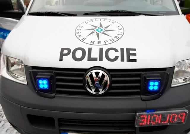 В Праге пьяный водитель встретился на встречке с полицией: видео
