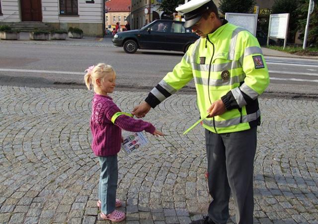 Опрос: больше всего жители Чехии доверяют полиции, меньше всего – церкви