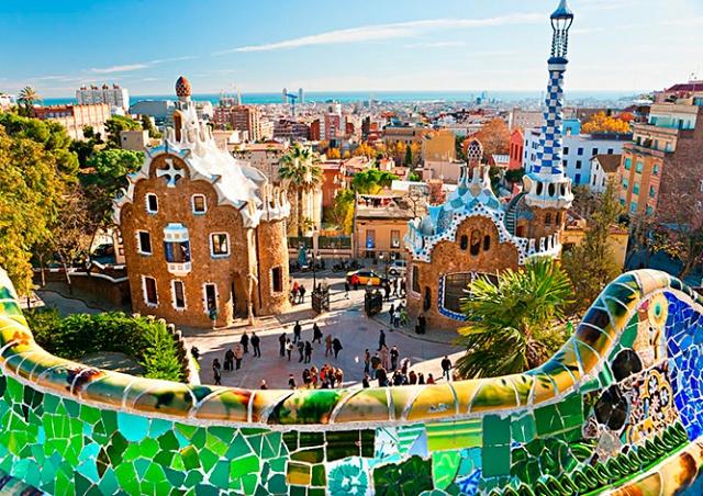 Испания объявила дату открытия границ для туристов