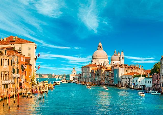 В Венеции придумали новый штраф для некультурных туристов