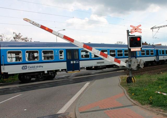 В Чехии 1,5-годовалый мальчик выбежал под поезд
