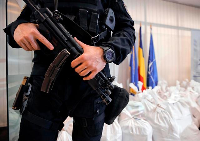 На берег Черного моря выбросило 131 кг кокаина