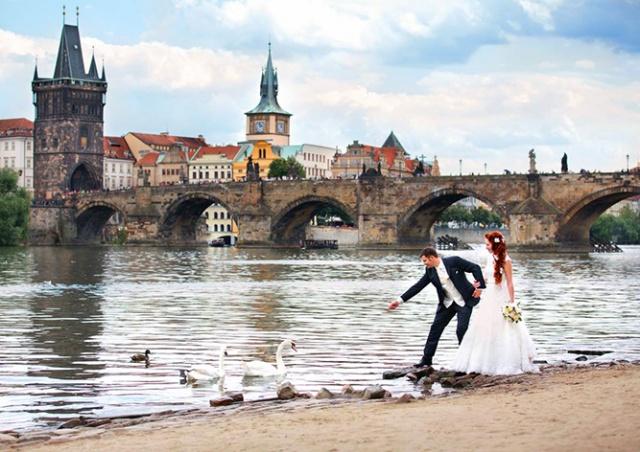 В Праге каждая вторая пара регистрирующих брак - иностранцы