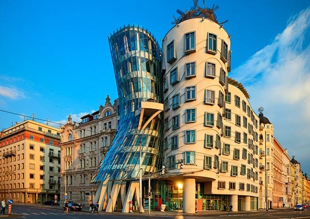 Граффити-художникам разрешили разрисовать здания в центре Праги