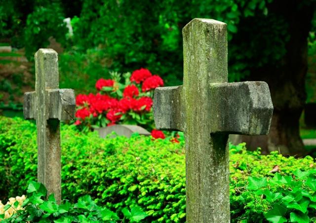 На баварском кладбище разрешили сажать помидоры