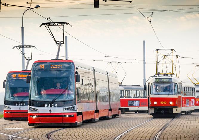 В Праге невнимательный водитель доставил неудобства тысячам пассажиров