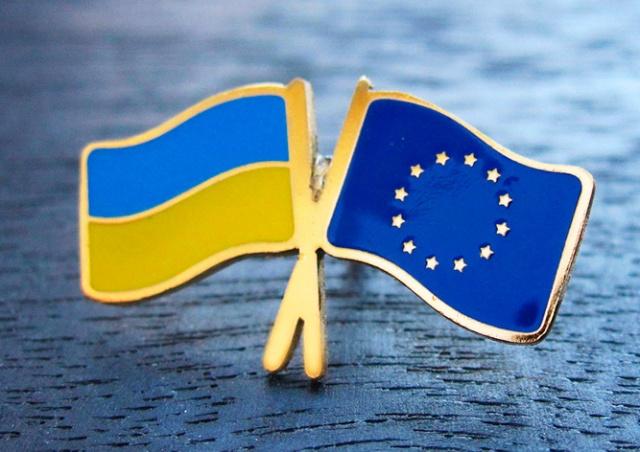 Совет ЕС утвердил отмену виз для граждан Украины