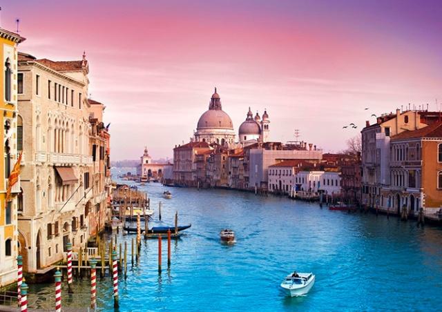 В Венеции установили турникеты для регулирования потоков туристов