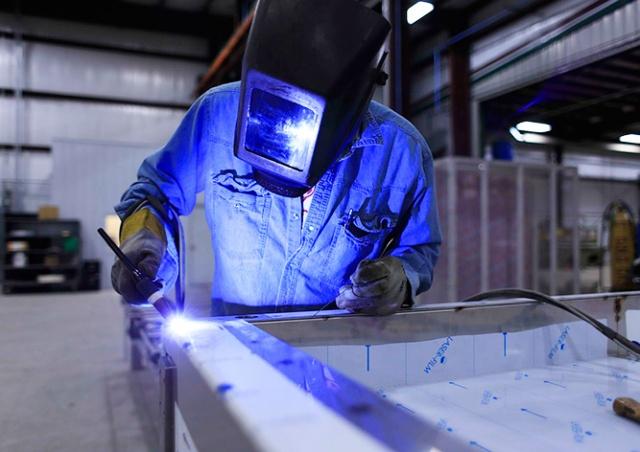В Чехии резко увеличилось число нелегальных работников-иностранцев