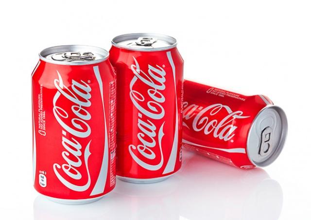 Coca-Cola прекратит продавать сладкие напитки в школах Чехии