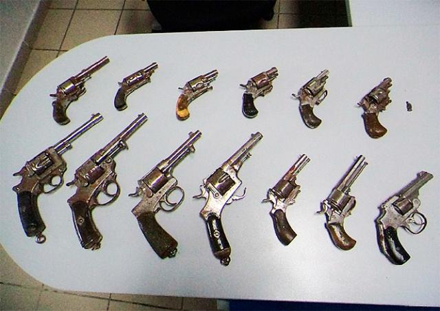 Жительница Чехии нашла на чердаке 13 револьверов
