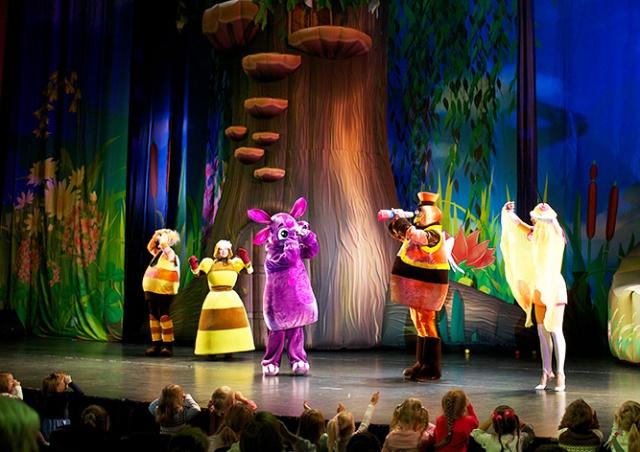 В Праге покажут детский музыкальный спектакль «Лунтик и его друзья»