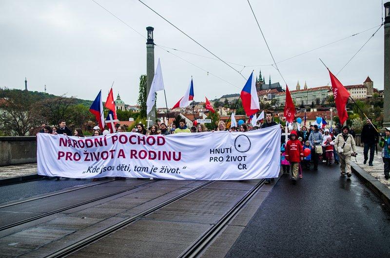 ВПраге состоялось шествие против абортов