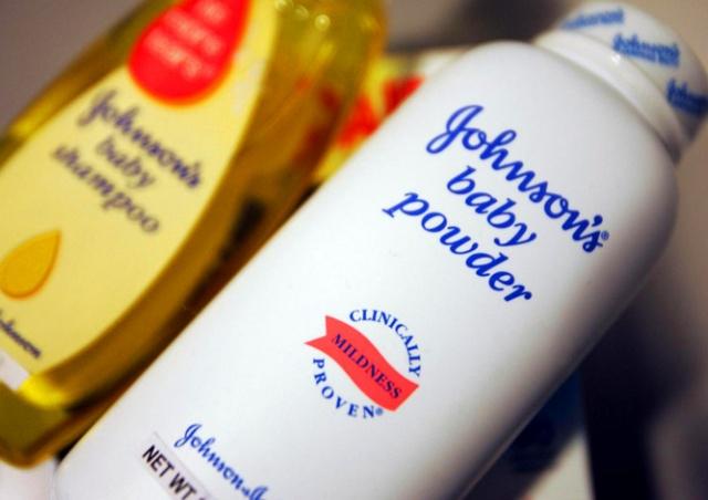 Заболевшая раком женщина отсудила у Johnson & Johnson $110 млн