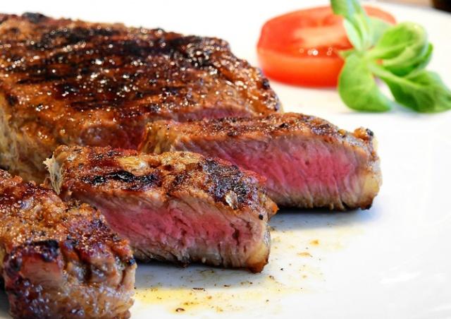 Элитные рестораны Праги выдавали польское мясо за аргентинское
