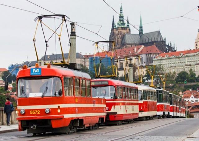 Huawei планирует создать в Праге сеть трамваев-мусоровозов