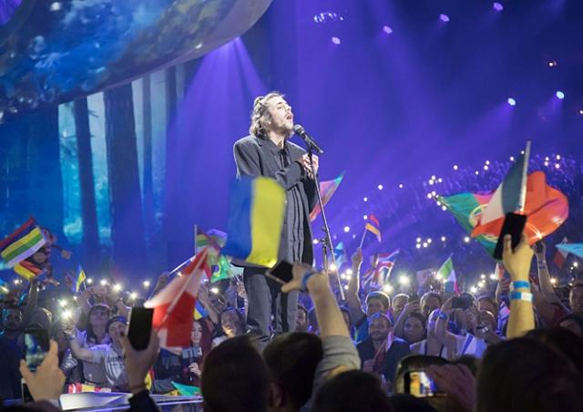 Видео: «Евровидение-2017» выиграла Португалия