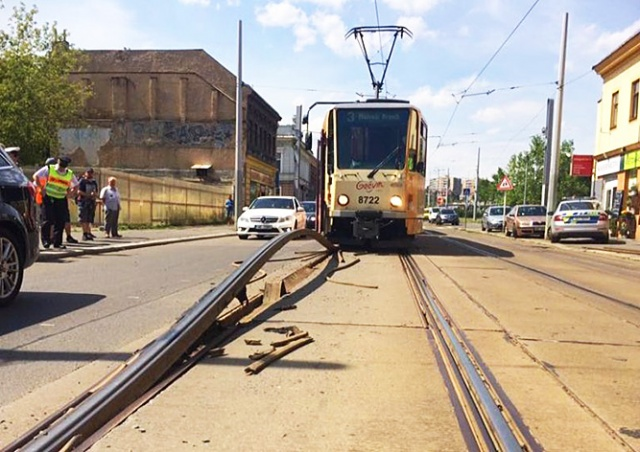 Трамвайные пути в Праге не выдержали жары