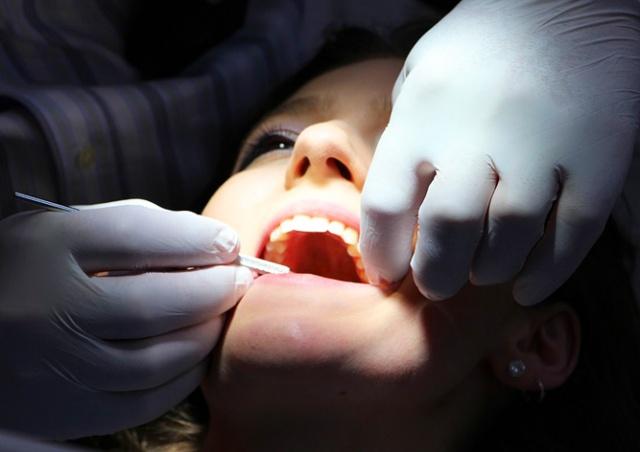 В России стоматолог удалила пациентке 22 здоровых зуба