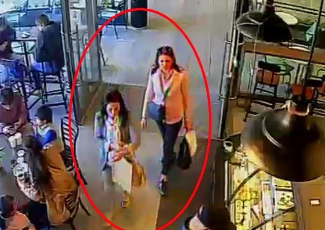 Карманная кража в пражском ТЦ попала на видео