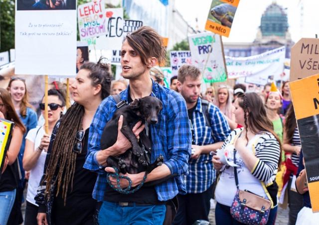 В Праге прошел парад веганов: фото