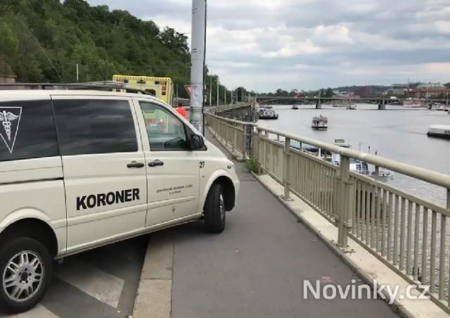 На набережной в центре Праги нашли труп