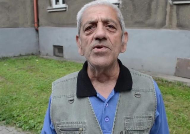 Чешского пенсионера с последним зубом уже год не берут к зубному