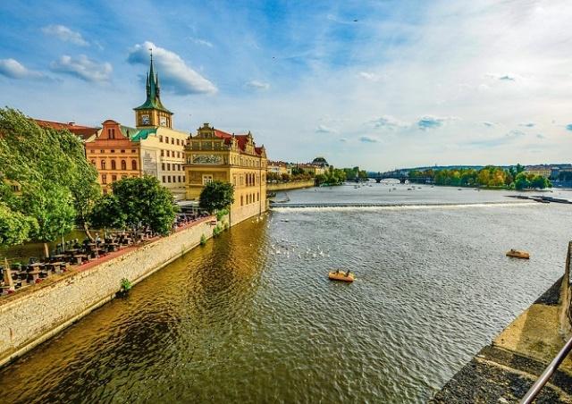 Полиция проверит все плавсредства в Праге на наличие пьяных