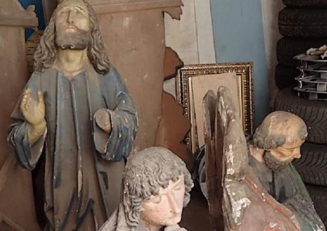 В одном из храмов Чехии были найдены сенсационные статуи