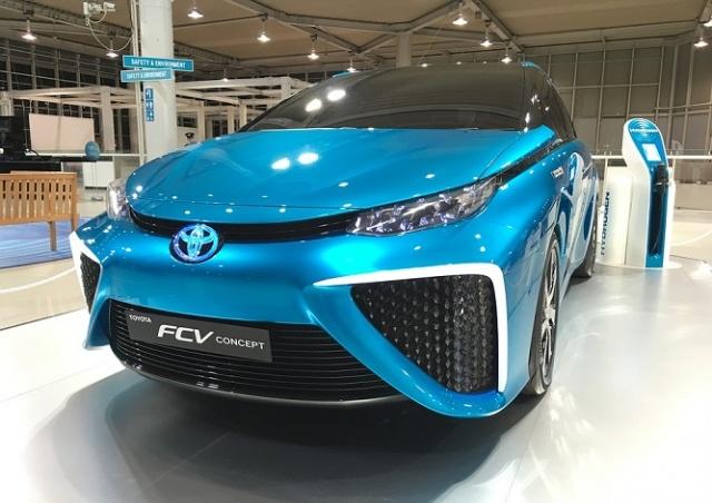 В Чехию привезли первый в мире серийный автомобиль с водородным двигателем