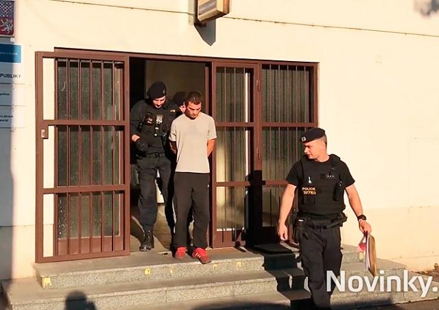 Полиция Праги задержала грабителя, напавшего на пассажира метро