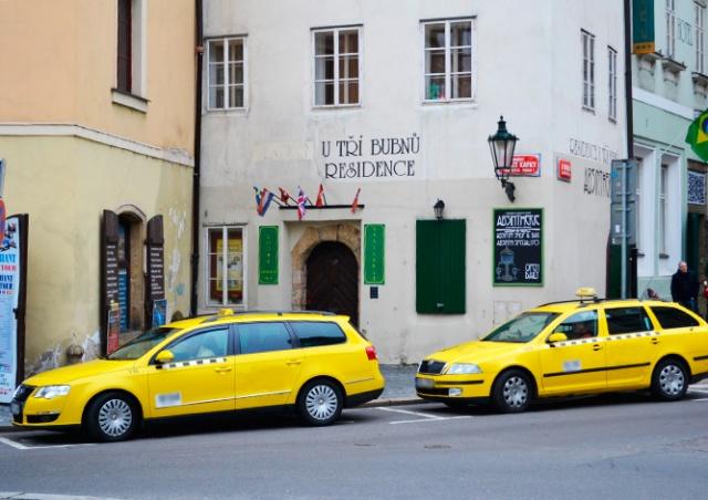 Мэр Праги: мы больше не позволим таксистам блокировать улицы