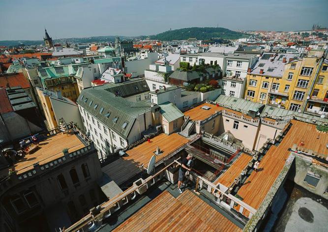Крышу дворца Люцерна в Праге открыли для посетителей: видео