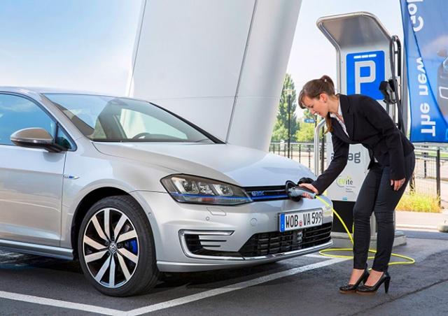 Владельцам электромобилей в Чехии приготовили целый список льгот