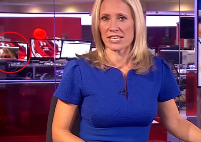 Сотрудник BBC смотрел эротический ролик во время прямого эфира: видео