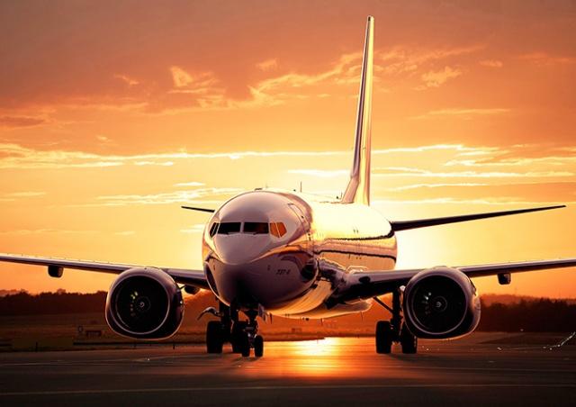 Чешские туристы 16 часов ждали в аэропорту рейс в Прагу