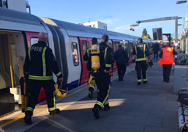 Взрыв прогремел в метро Лондона