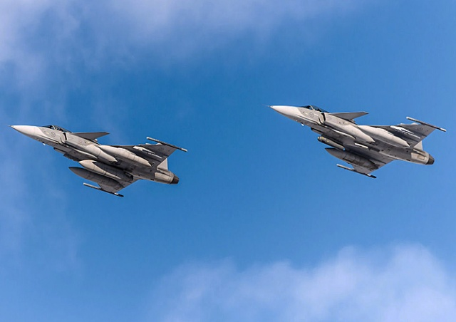 В субботу над Прагой пролетят сверхзвуковые истребители