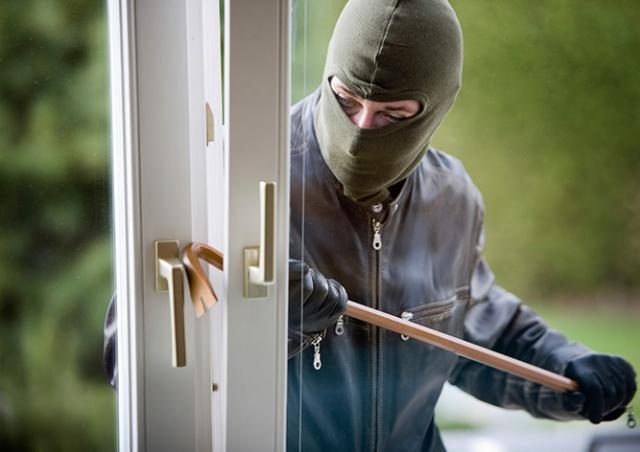 Полиция рассказала, в каких районах Праги чаще всего грабят квартиры
