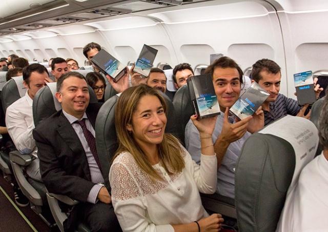 Всем пассажирам рейса Iberia подарили новые Samsung Galaxy Note 8