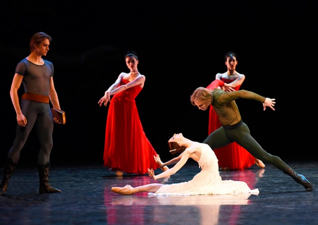 Звезда Большого театра Светлана Захарова выступит в Праге 10 января