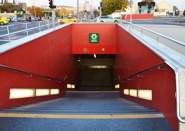 Критикуемая станция метро Nádraží Veleslavín в Праге получит эскалатор